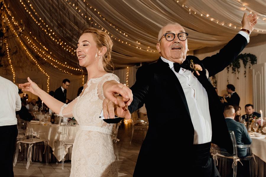 taniec podczas przyjęcia weselnego w Miętowych Wzgórzach