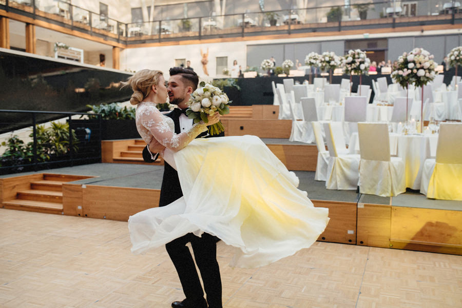 pierwszy taniec na przyjęciu weselny w hotelu Arłamów